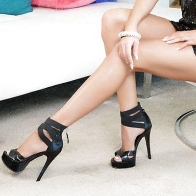 heelsDomina